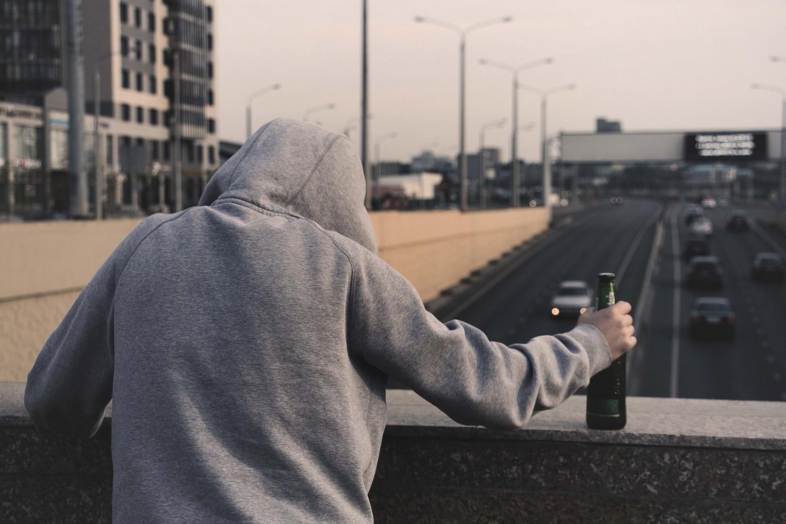 Что делать, если пьет муж: от первых причин до методов решения