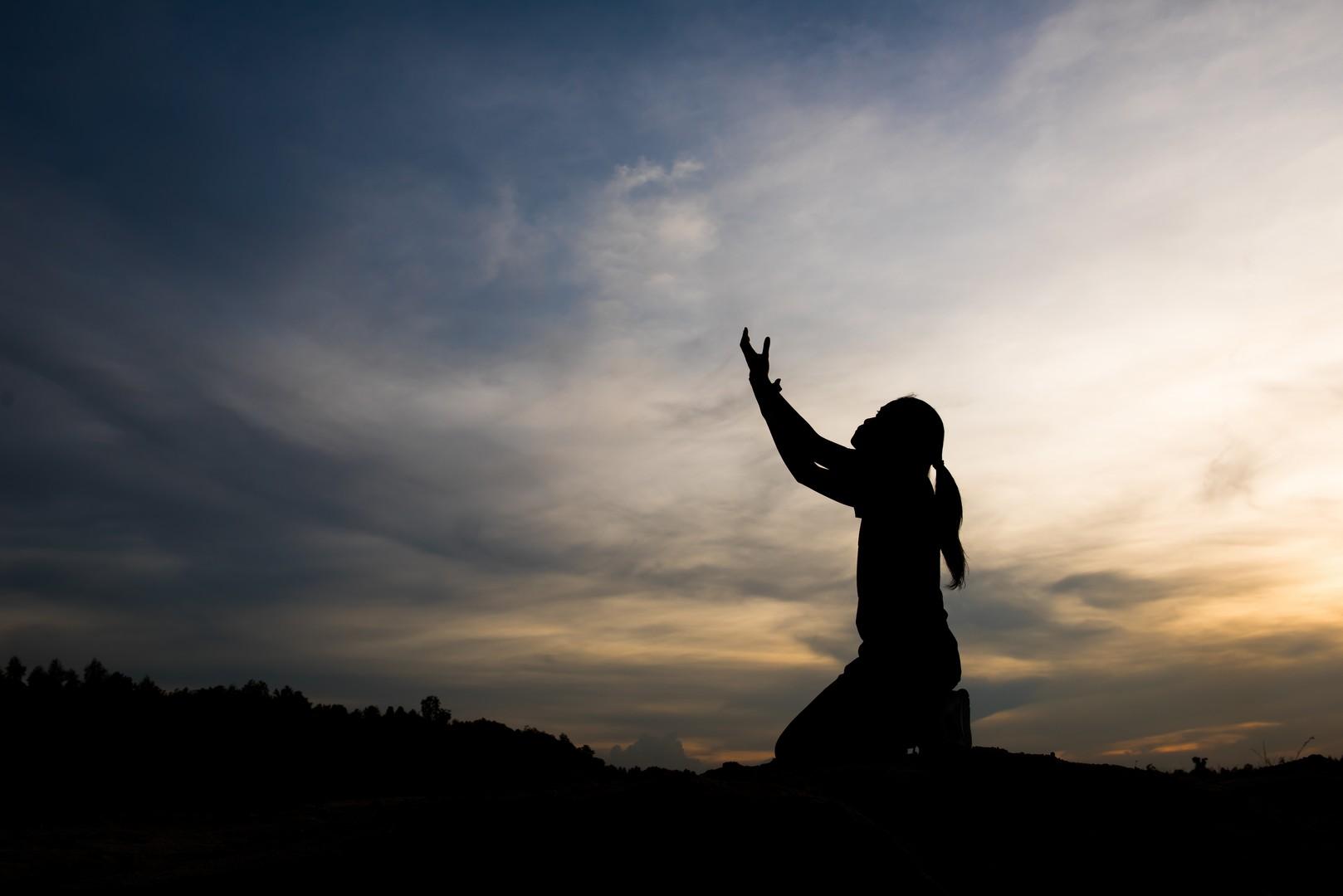 Что делать, если болит душа: от точных причин до методов лечения