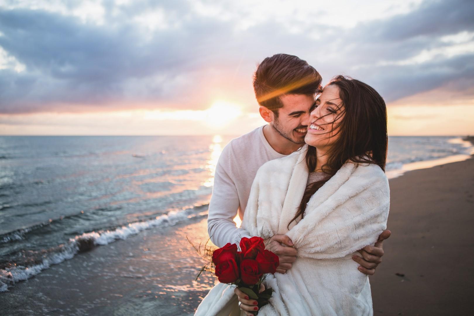 Почему мужчины изменяют женам и не только: ТОП причин