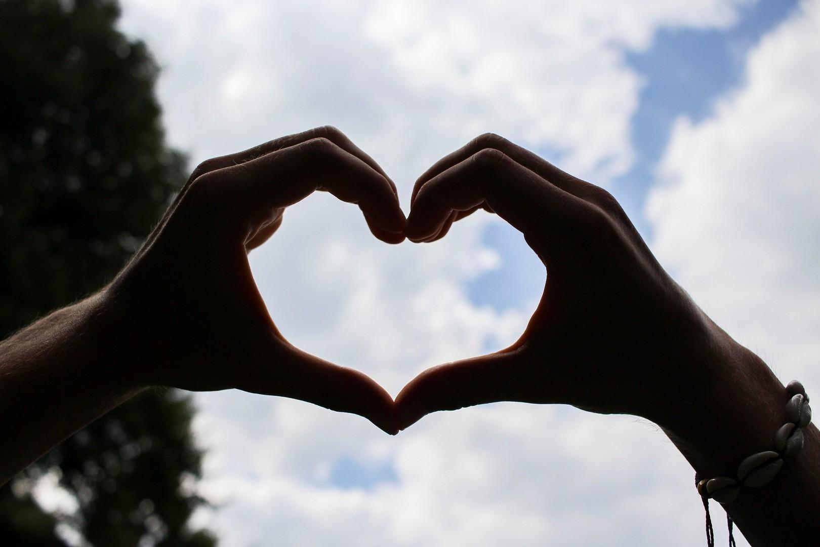 Сколько длится влюбленность: чувства, влюбленность, любовь
