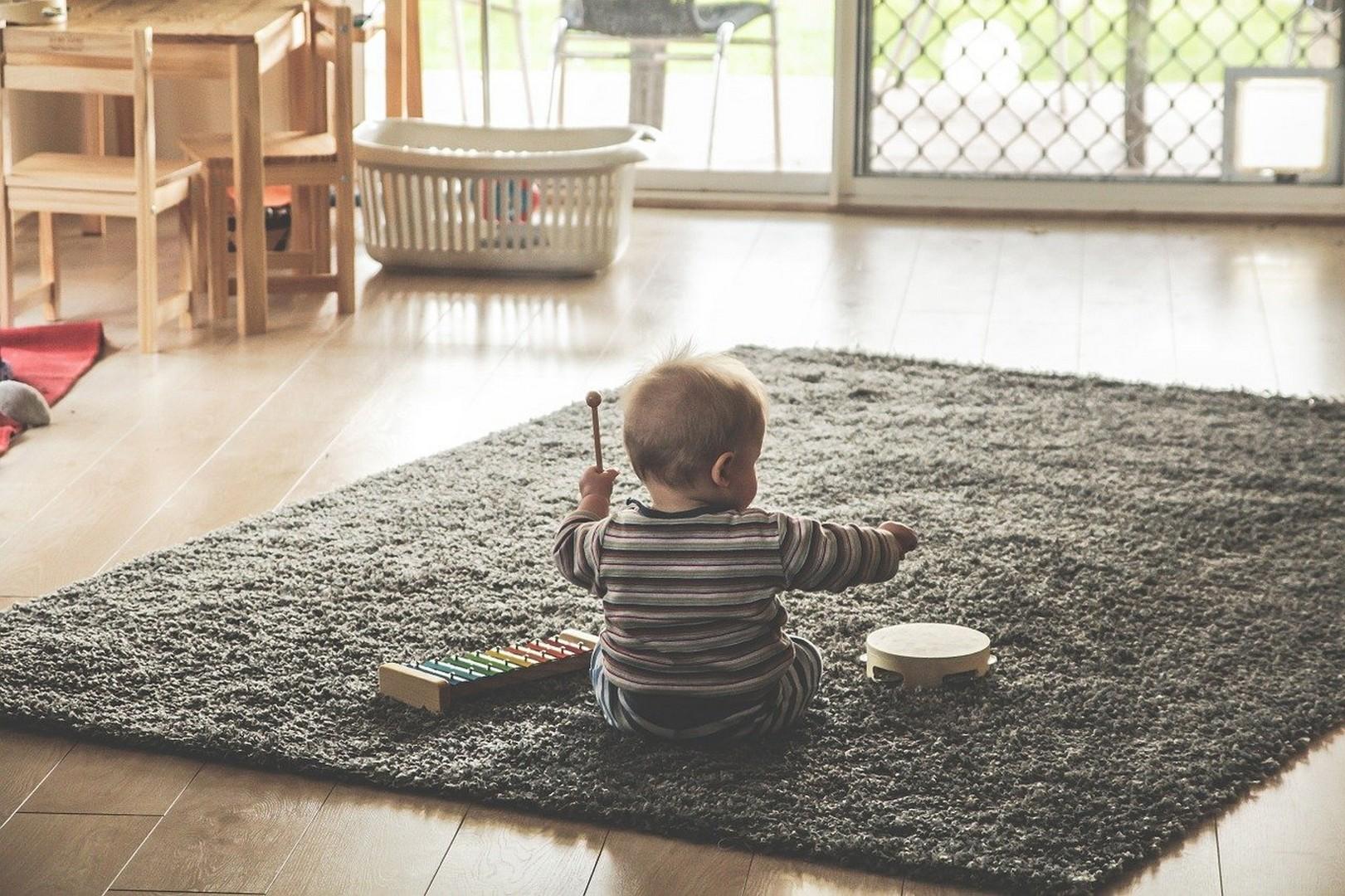 Алименты на мать и ребенка: размеры, порядок и условия получения