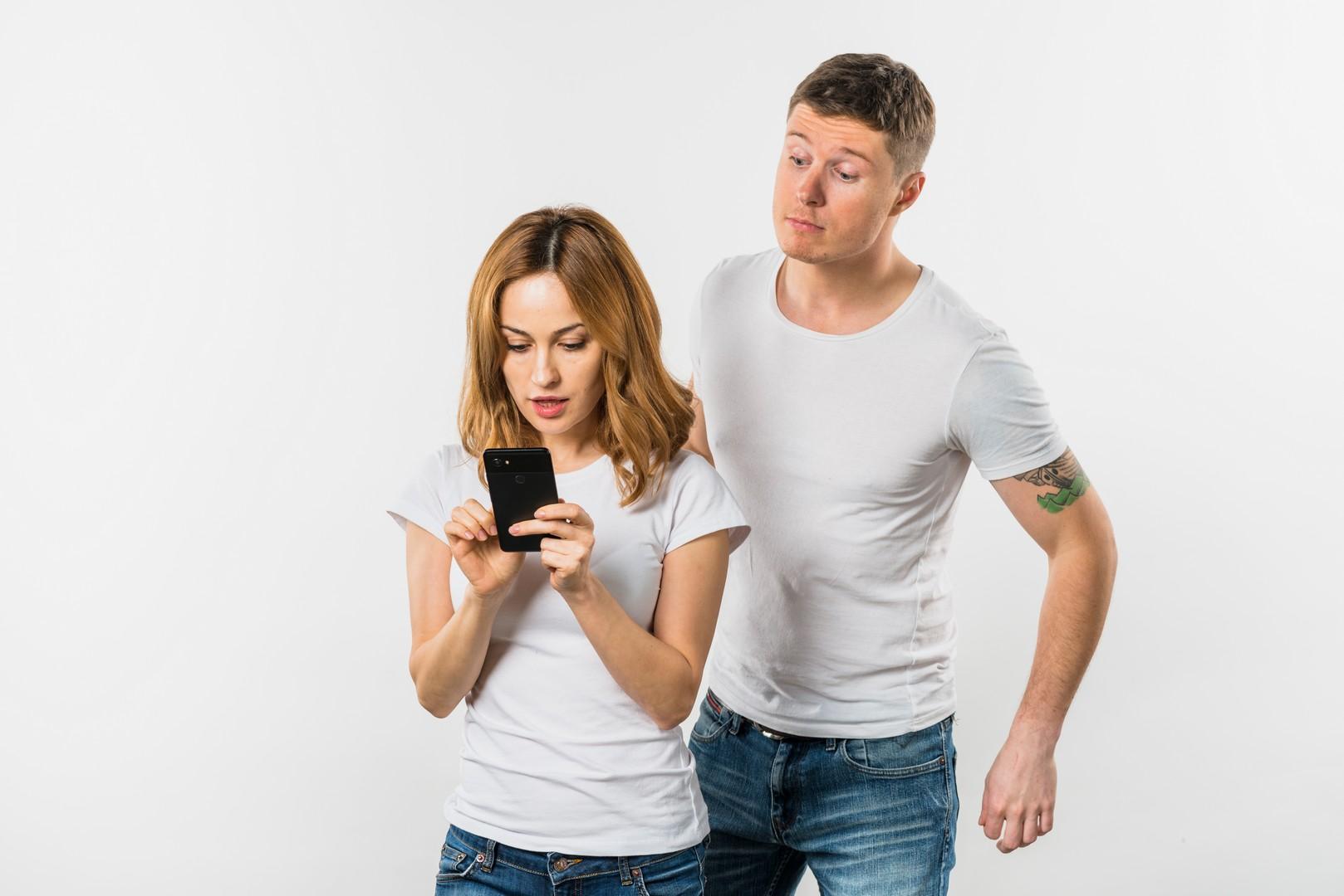 Почему муж ревнует жену: 6 шагов избавления от ревности