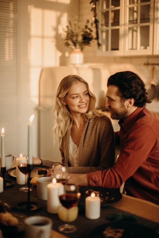 Почему муж изменяет, но не уходит от жены: разбираемся в мужском подсознании