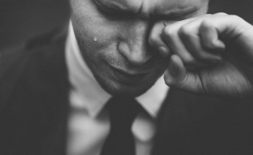 Почему мужчина уходит из отношений без объяснений: трусость или есть повод?