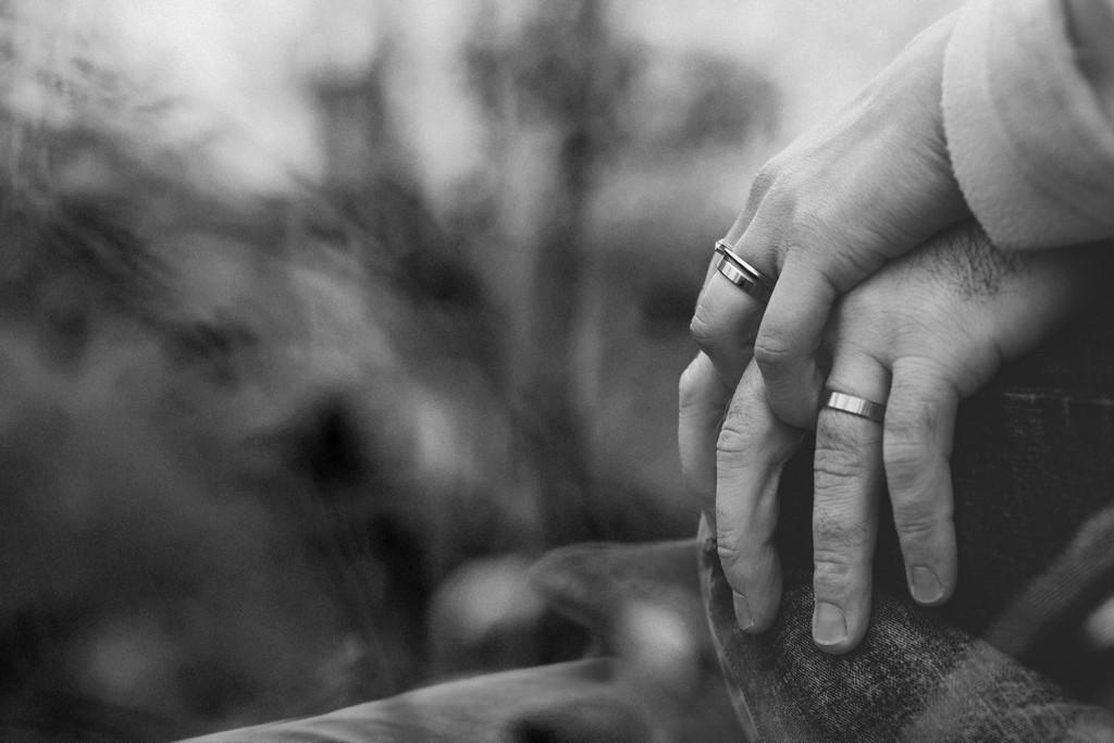 Девушка старше на 10 лет: возможно ли создать крепкие отношения?