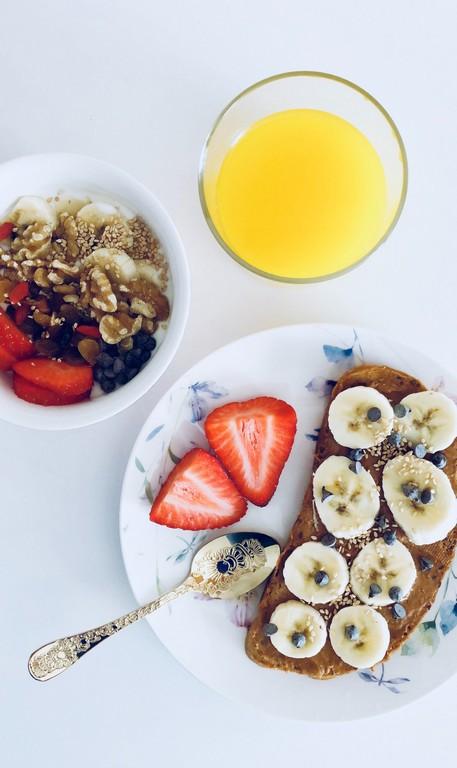 Как перестать есть🍽️: 5 способов контролирования приемов пищи