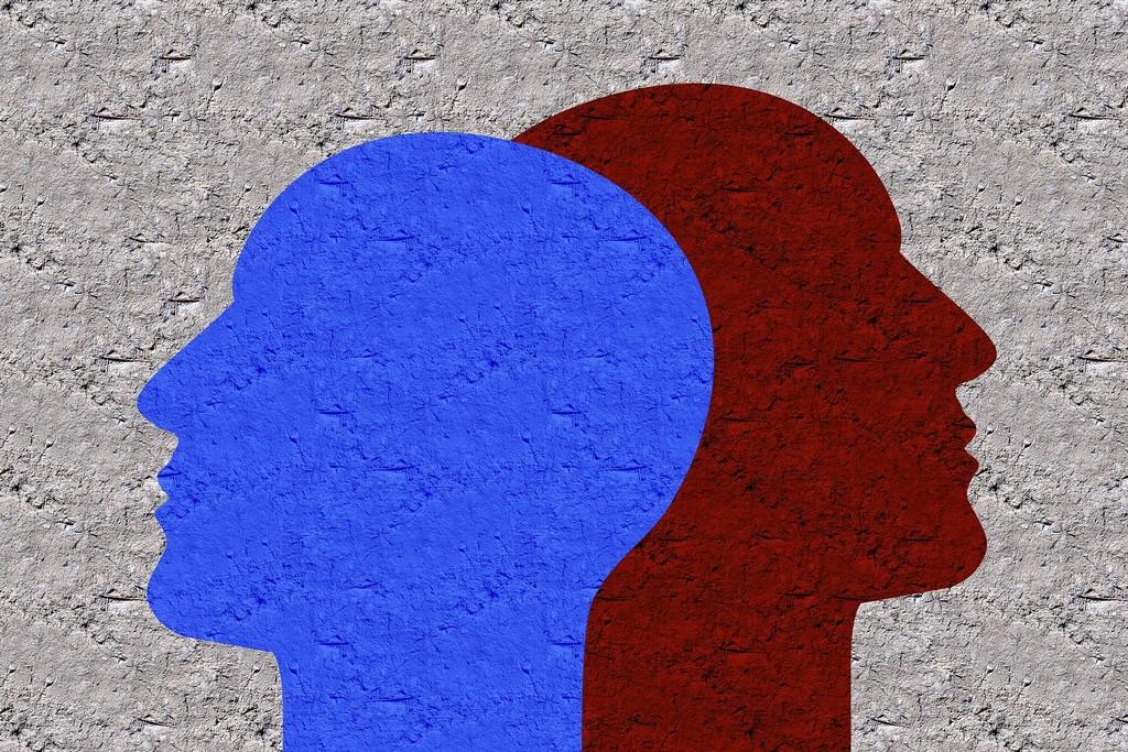 Как распознать ложь: 9 признаков обмана