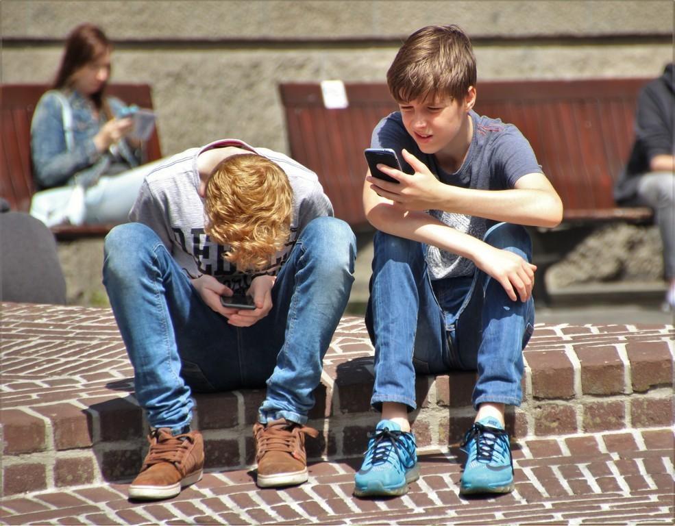 Подростковый максимализм – что это такое, фазы, типы и советы психолога