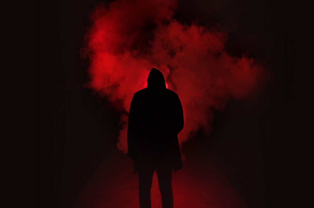 Как защитить себя от энергетического вампира: проверенные способы
