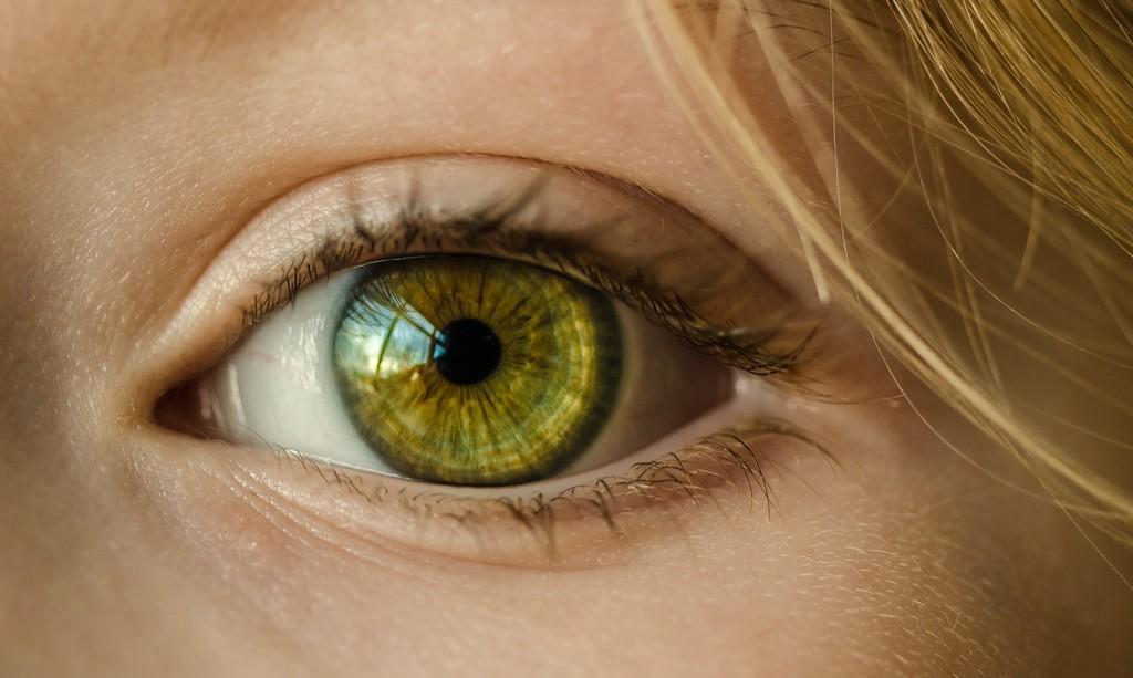 Цвет глаз от чего зависит: 7 цветов и их влияние на организм
