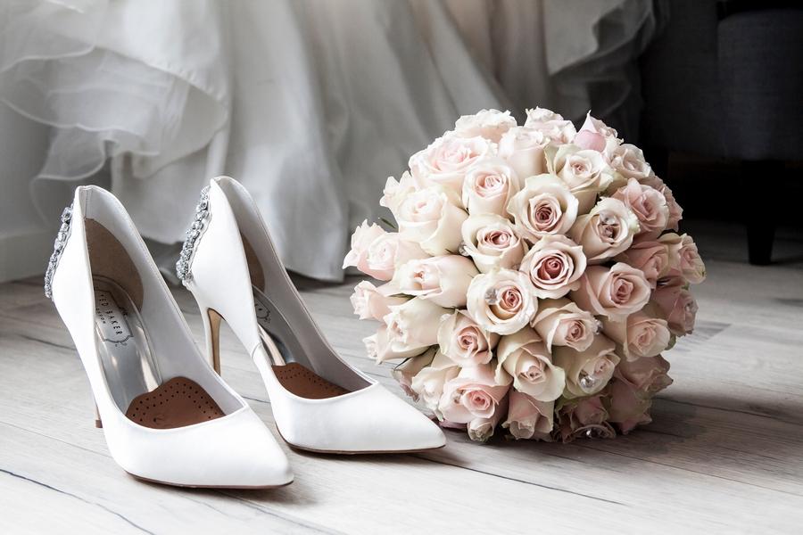 Как называется 10 лет свадьбы: оловянная свадьба и варианты подарков