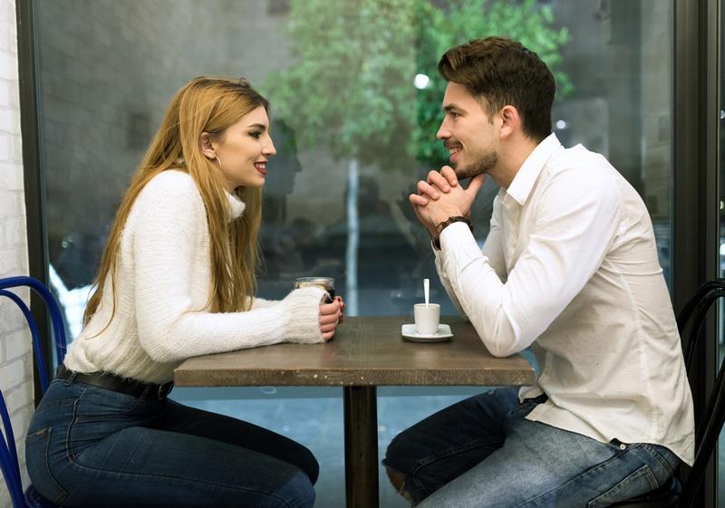 Где знакомиться с девушками: лучшие места и способы