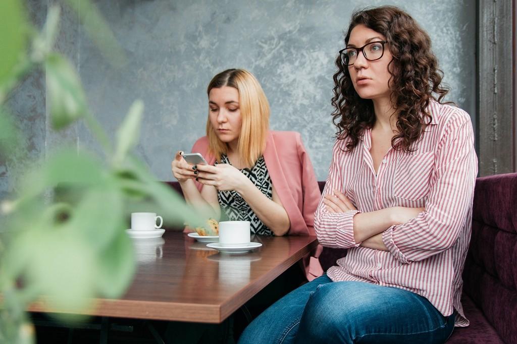Как можно помириться с подругой: самые действенные способы