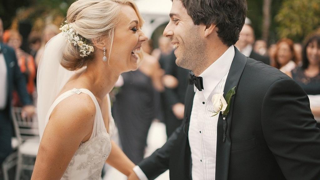 Свадьба 15 лет: какая тематика свадьбы и что дарят?