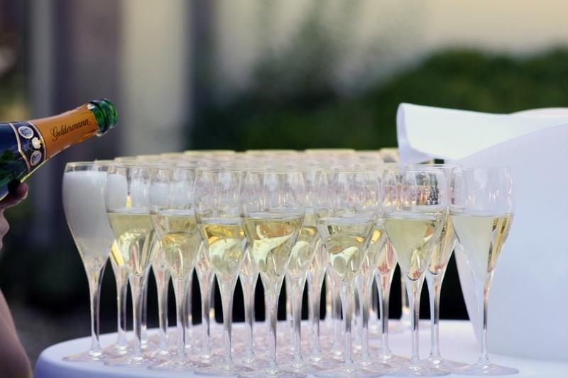 Какая свадьба 20 лет: фарфоровая свадьба и варианты подарков