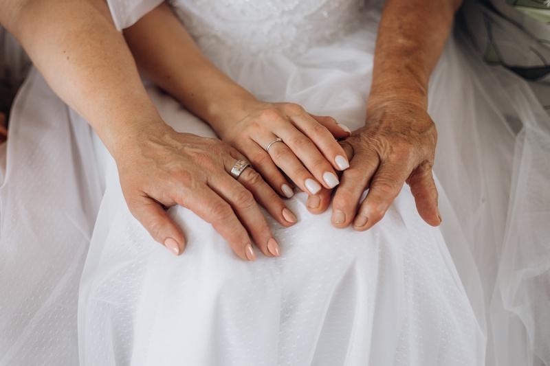 37 лет свадьбы: муслиновая свадьба, ее традиции и виды подарков