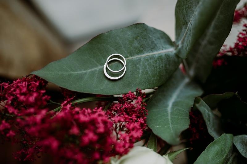 60 лет свадьбы: бриллиантовая свадьба и варианты подарков