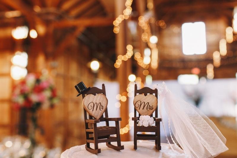 43 года свадьбы: сценарии торжества и виды подарков